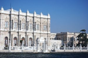dolmabahce_palace-vue-du-bosphore